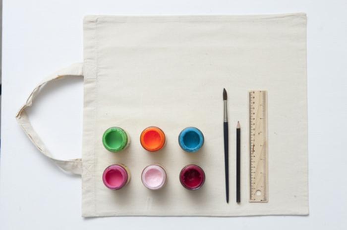 coole bastelideen jutetüte jute einkaufstasche basteln farben malbürste
