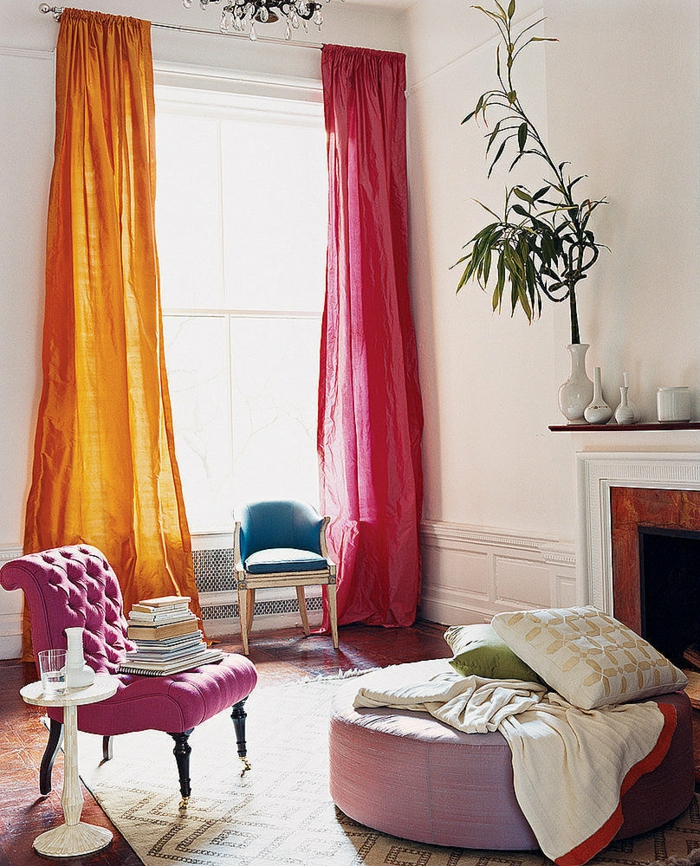 deko ideen wohnzimmer farbige gardinen kamin pflanze möbeldesign