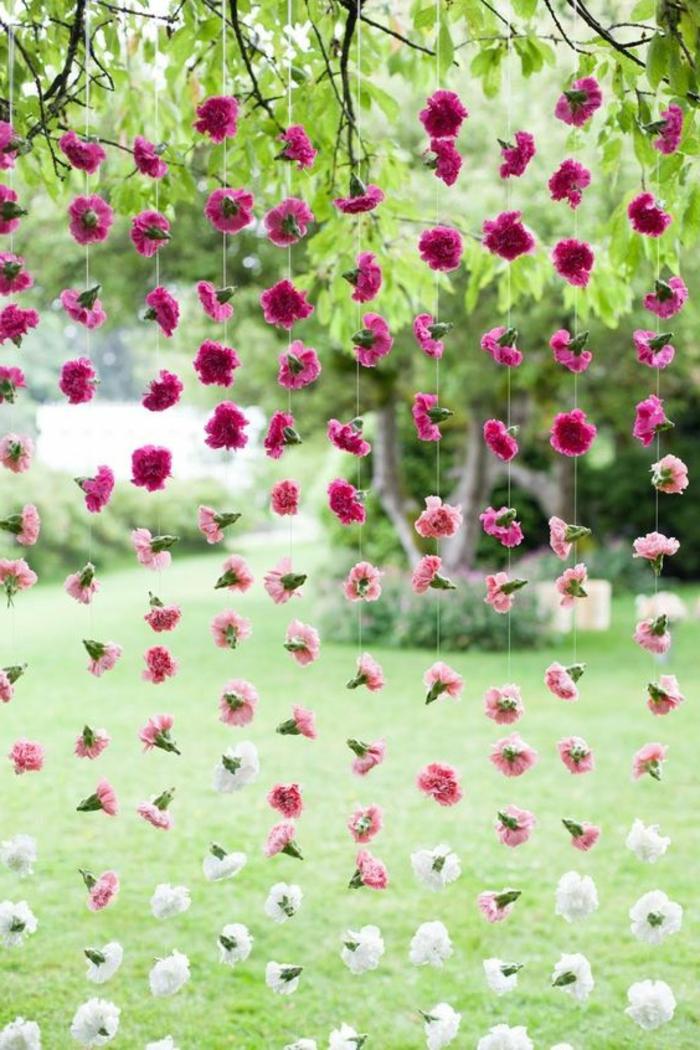 dekoideen gartenparty blumenketten elegant stilvoll
