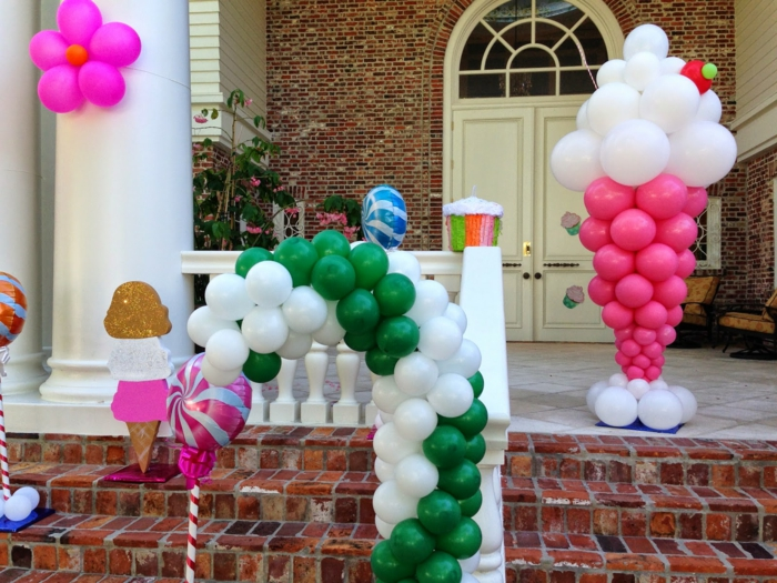 dekoideen gartenparty farbige ballons hauseingang