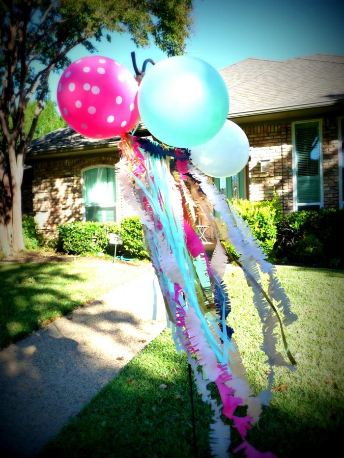 dekoideen gartenparty gartendeko ballons girlanden