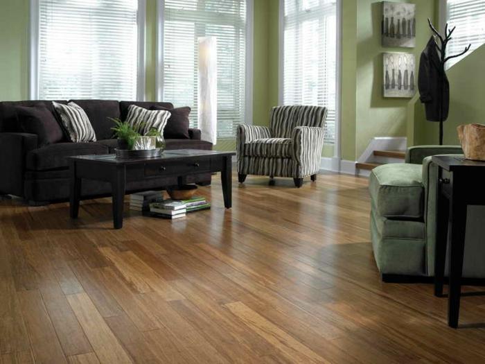 design bodenbelag wohnideen wohnzimmer bambusboden grüne wände elegante möbel