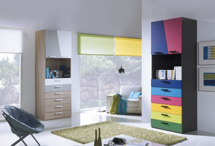 design kleiderschrank kinderzimmer farbige schubladen weiße wände weißer boden