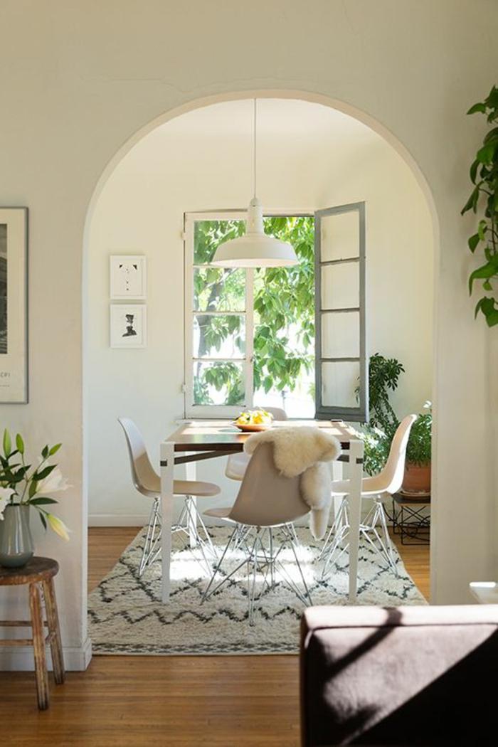 design leuchten hängeleuchte esszimmer gestalten teppich pflanzen