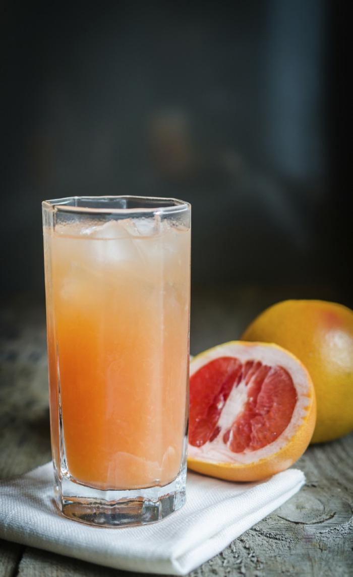 detox kur gesund abnehmen frisches obst grapefruit saft