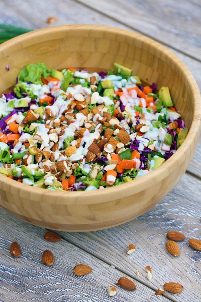 detox kur gesund abnehmen frische salate gemüse mandeln