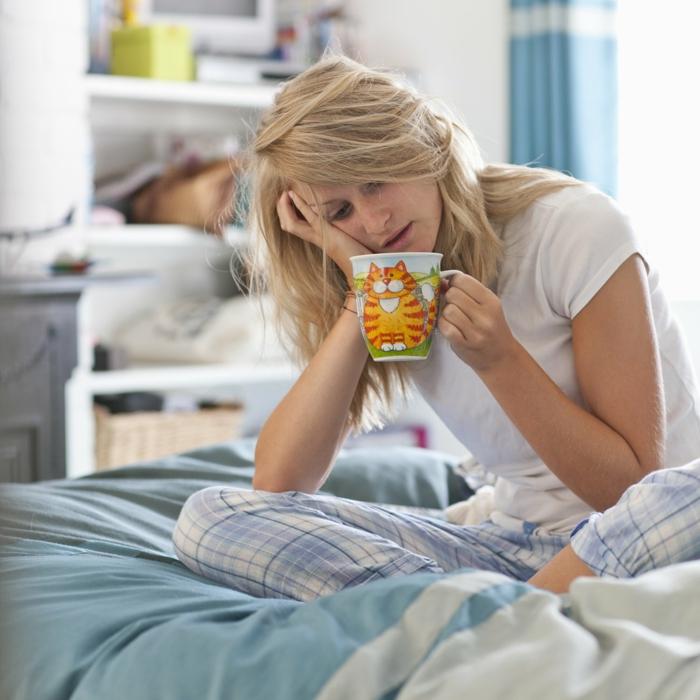detox kur gesund abnehmen kater kräutertee trinken