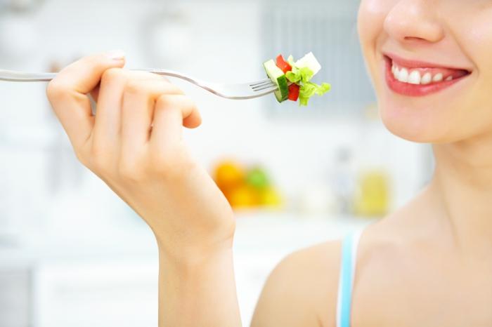 detox kur gesund abnehmen frische salate zubereiten
