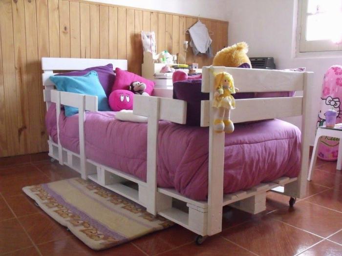europaletten bett möbel  kinderzimmer outdoor rosa