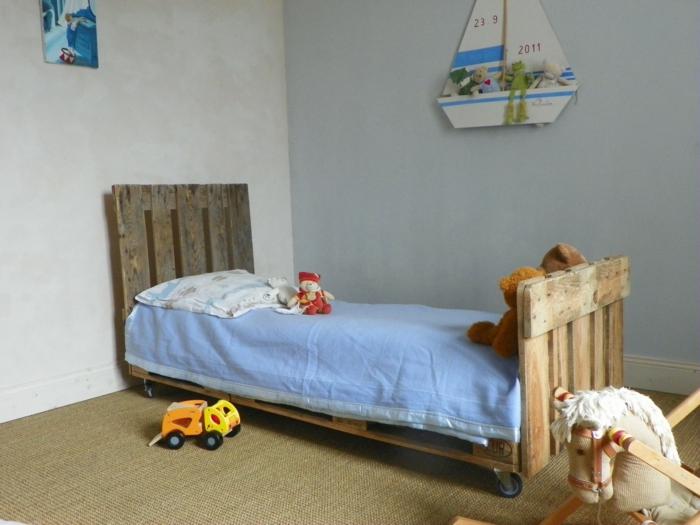 europaletten bett  möbel kinderzimmer zusammengezimmertes bett