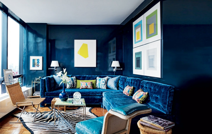 farbgestaltung schlafzimmer wandgestaltung wanddesign blau samt