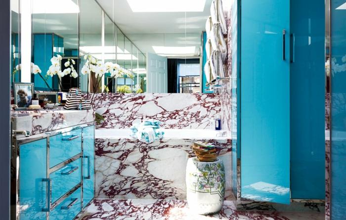 farbgestaltung wandgestaltung wanddesign badezimmer blau marmor
