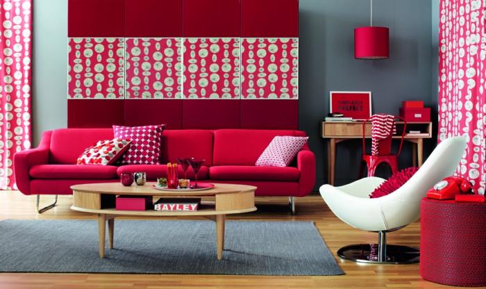 farbgestaltung wohnzimmer wandgestaltung wanddesign rot erdbeer