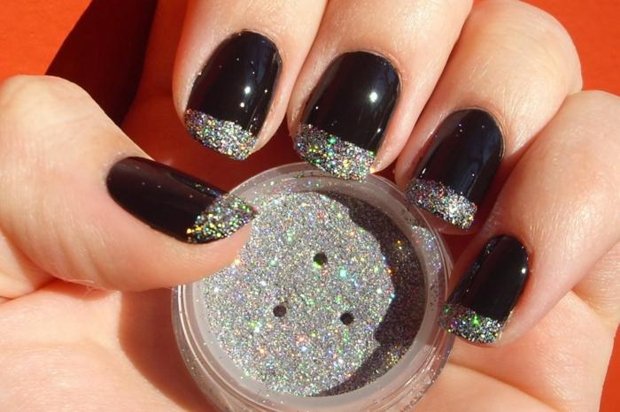 fingernägel design schwarz nagellack glitzerpulver nageldesign selber machen