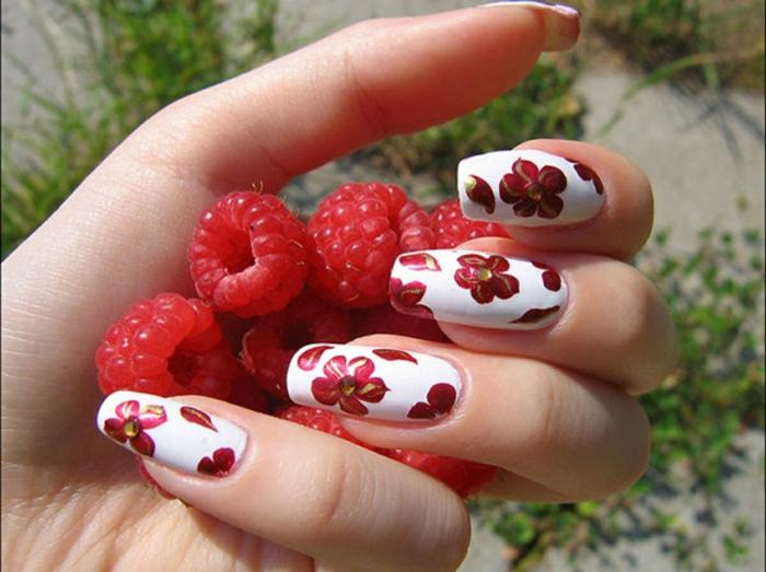 fingernägel design weiß rot gold nagellack gelnägel gelmodellage nageldesign sommer