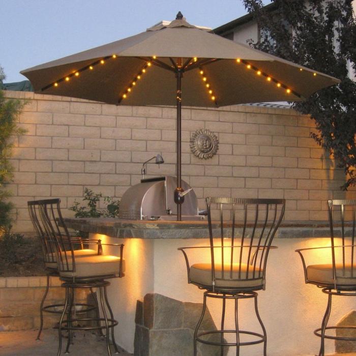 gartendeko ideen gartenbeleuchtung außenküche gartengrill sonnenschirm leuchten