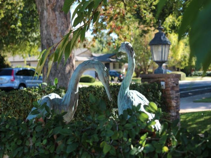 gartendeko ideen gartenfiguren flamingo gartenideen