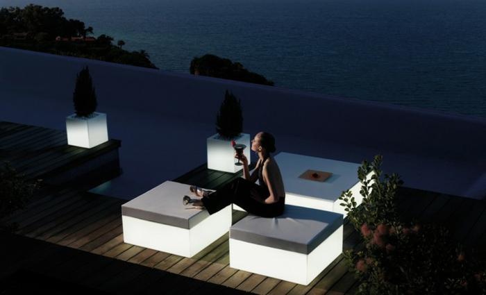 Gartengestaltung Ideen Sessel Leuchtend Gartenideen