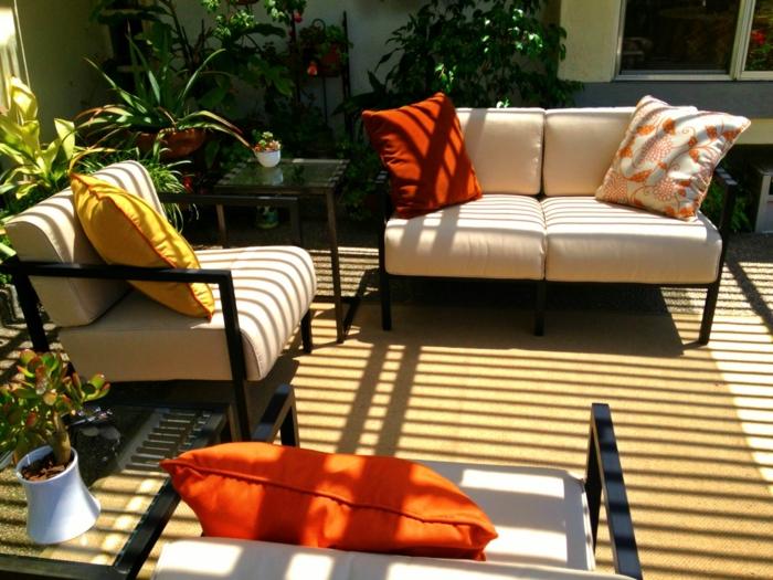 gartengestaltung ideen sessel sofa pflanzen gartenideen