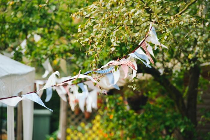 gartenparty deko dekogirlanden papier gartenideen