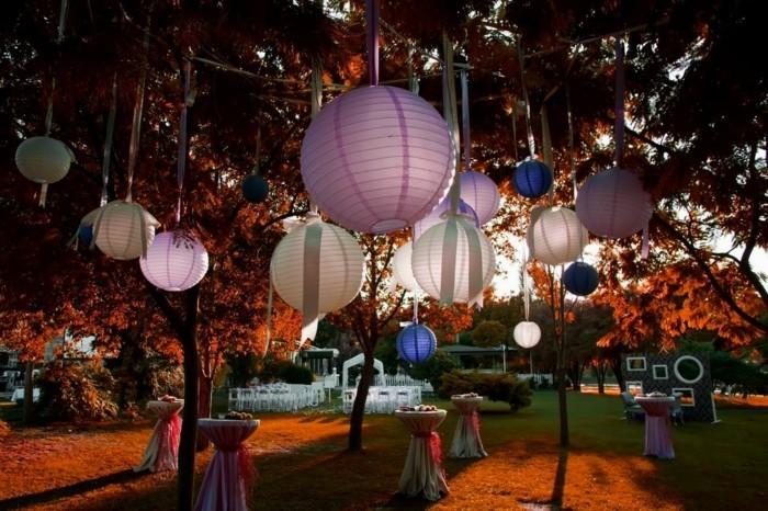 gartenparty ideen elegante hochzeitsparty im gartenorganosieren und mit laternen dekorieren