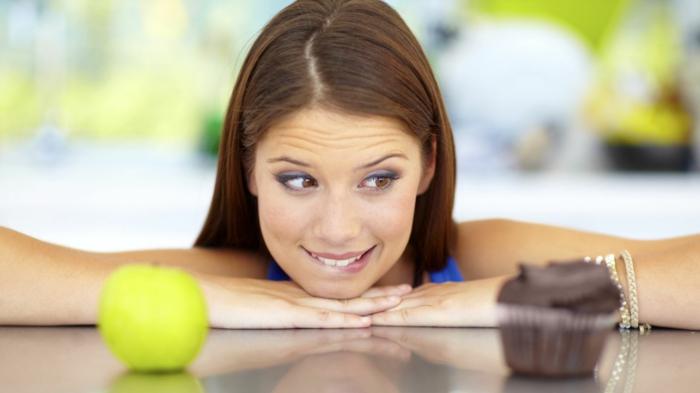 gesunde ernährung plan wasser gesunes essen muffin apfel