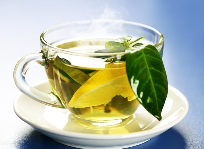 gesunde ernährung plan wasser trinken wasserhaushalt grüner tee zitrone