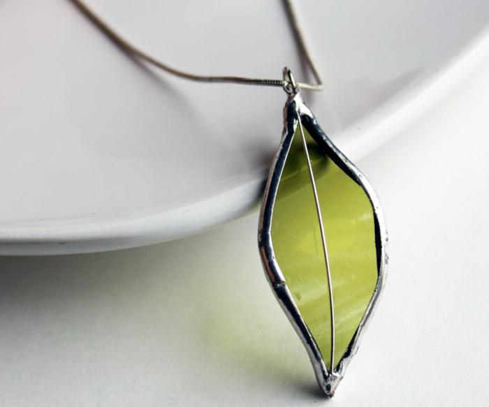 glas bemalen schmuck halskette