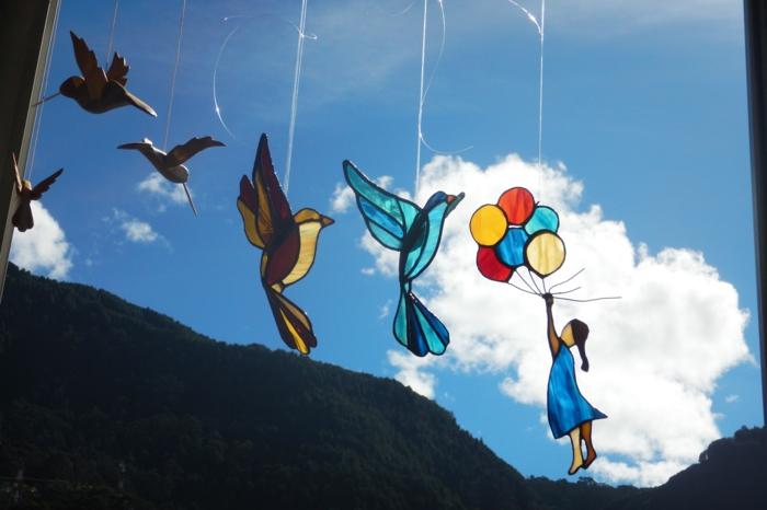 glas bemalen vitragen fenster vogeln mit mädchen