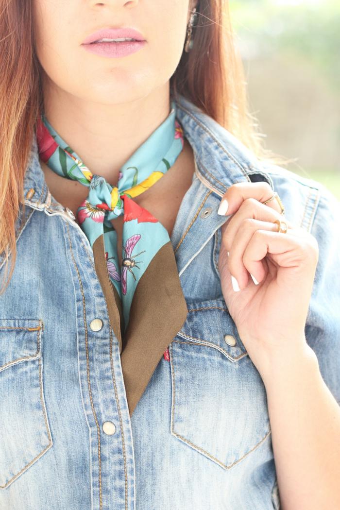 halstuch bindeн seide frühling varianten zum binden und tragen umwickelt himmelblau