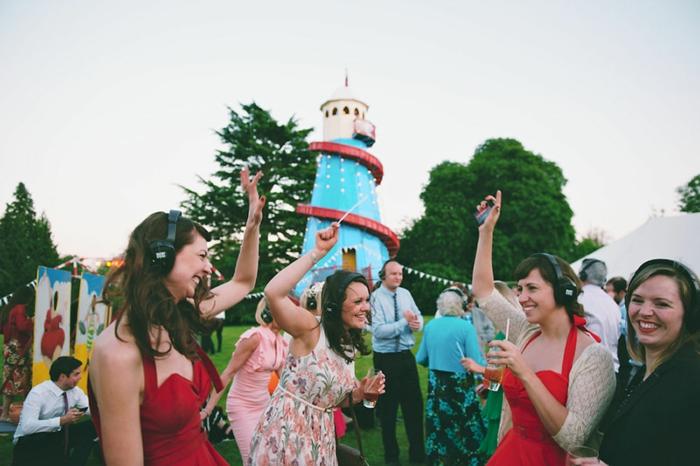 checkliste hochzeit planen spaß silent disko party