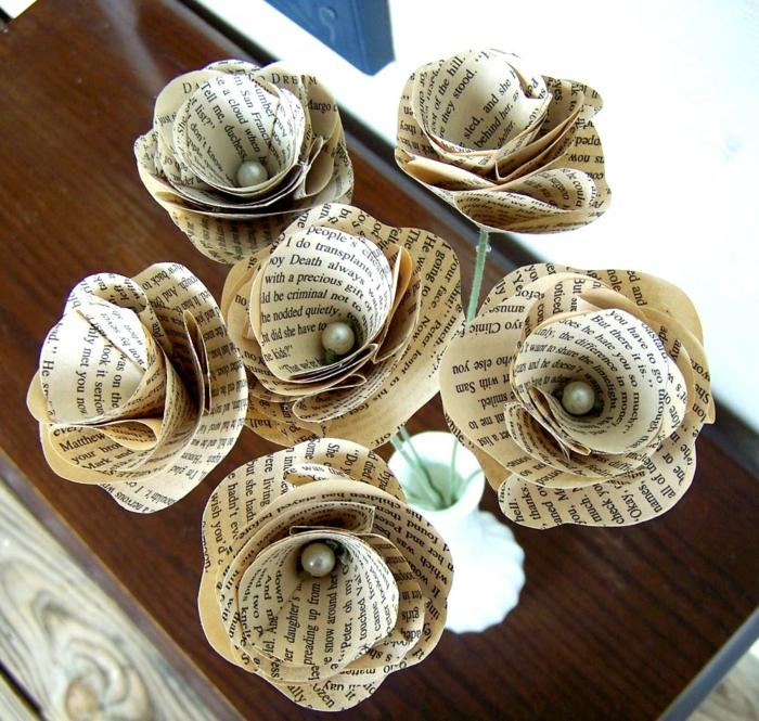 hochzeitsideen recycling papierblumen alte zeitungen diy ideen bastelideen crafthubs