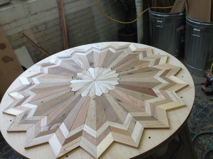 holzkunst gesammeltes holz latten tischlerin entstehung dekorativ