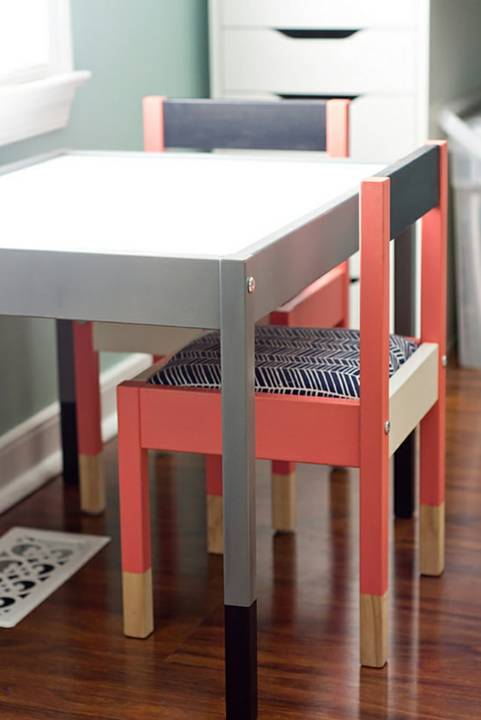 ikea möbel beistelltisch einrichtungsideen diy ideen bunt anstreichen tisch stühle