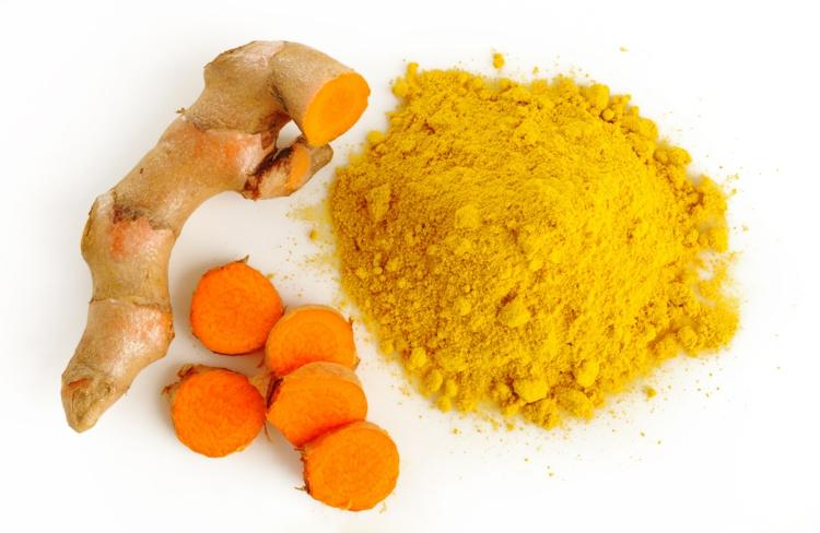 indische Gewürze Kurkuma Tee zubereiten Kurkuma Wurzel und Pulver