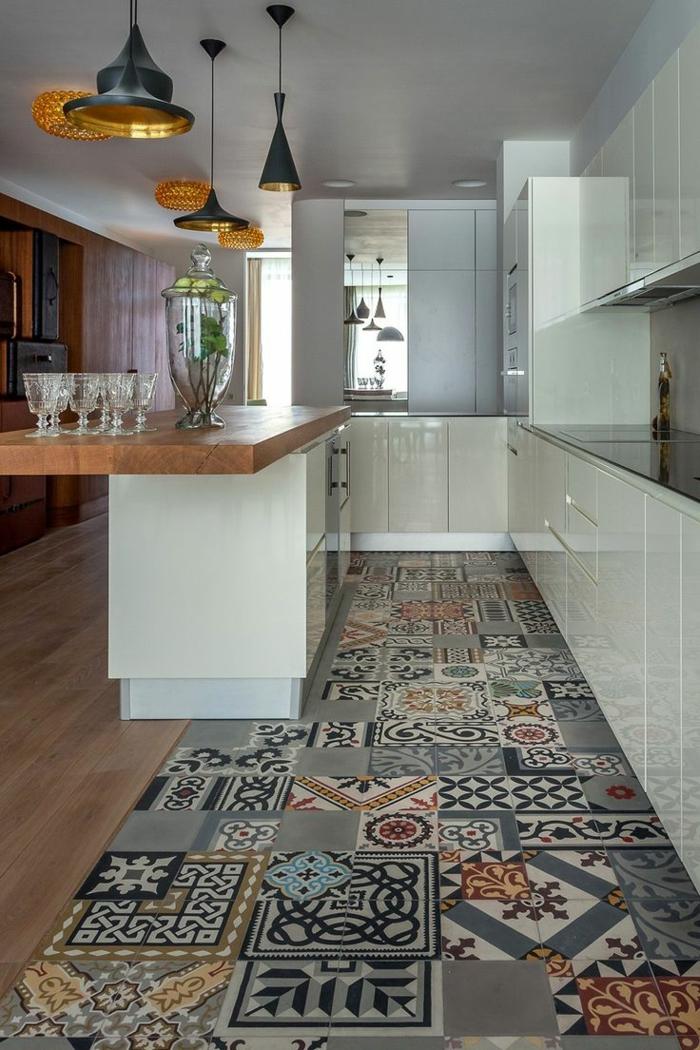 küche bodenbelag fliesendesign küchenideen weiße küchenschränke