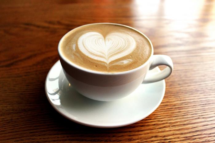 kaffeeservice kaffeeset porzellan weiße kaffeetasse wachmacher kaffee trinken