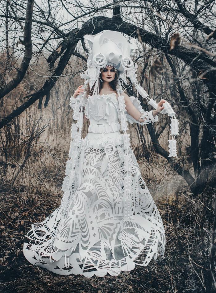 karnevalskostüm faschingskostüm frauenkostüm weißes kleid papier spitze schamane