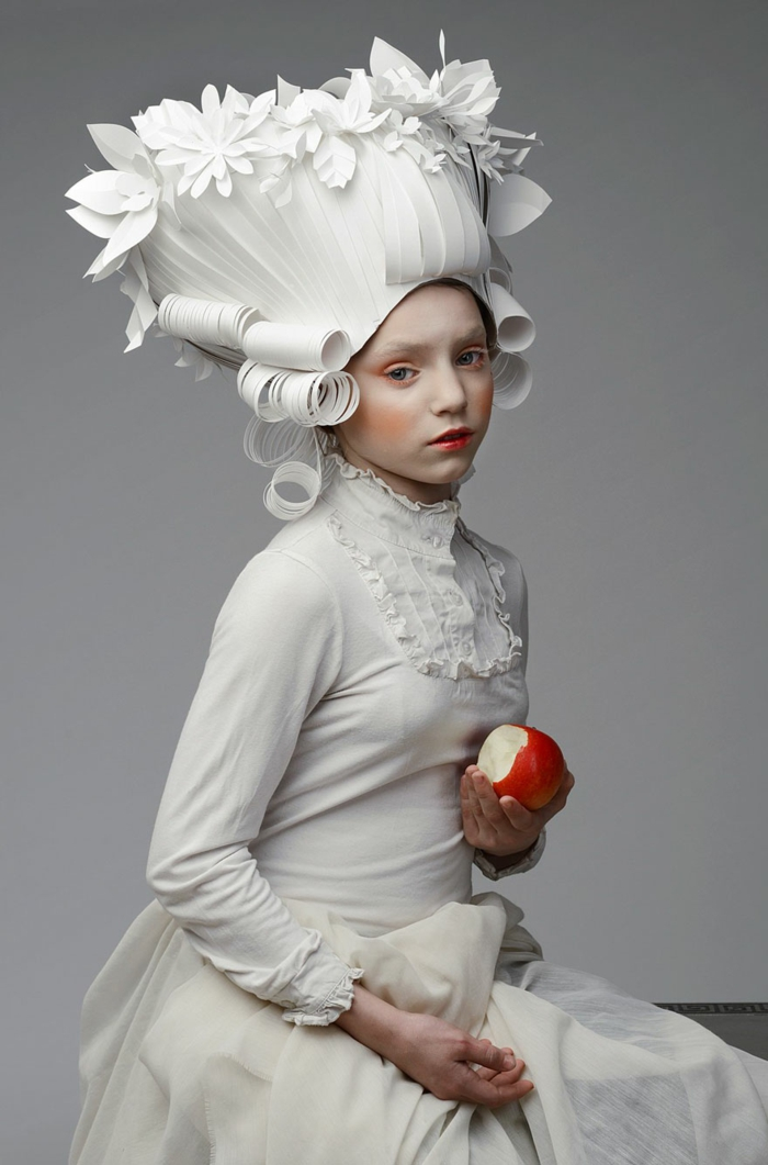 karnevalskostüm faschingskostüme karneval ideen papier perücke weiß