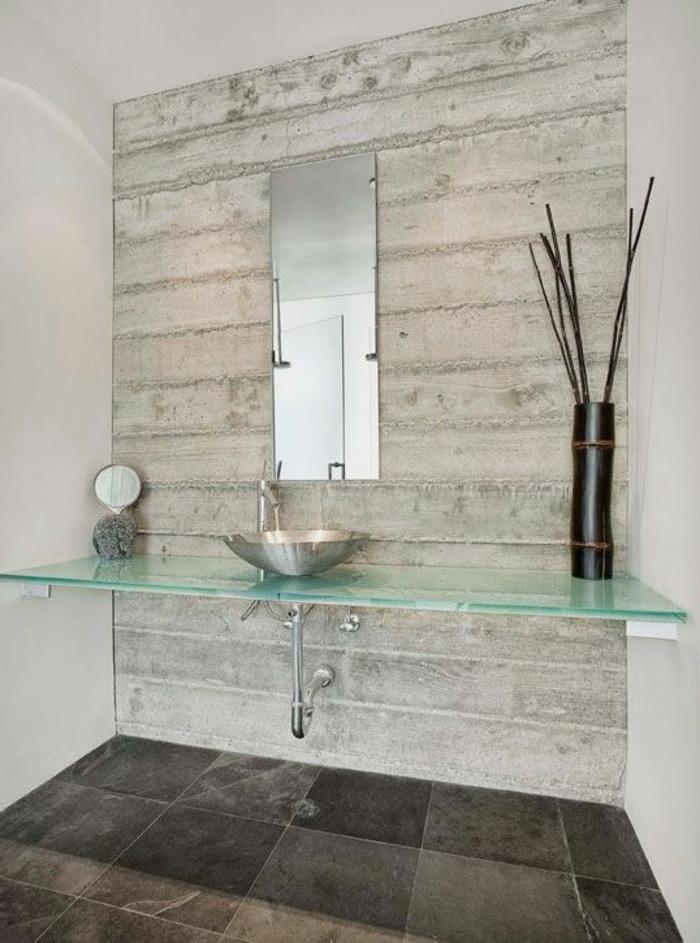 keramikfliesen badezimmer bodenbelag gläserner waschtisch