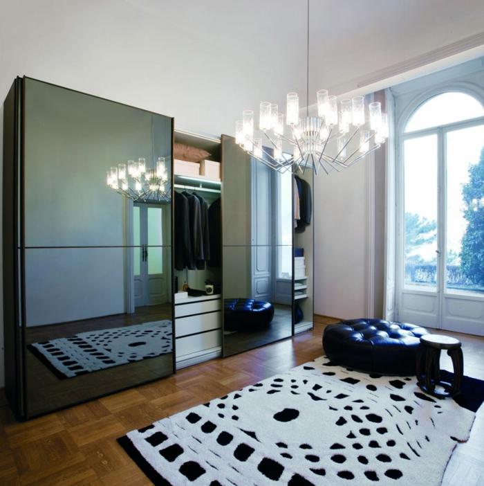 kleiderschrank design elgent schiebetüren spiegeloberfläche