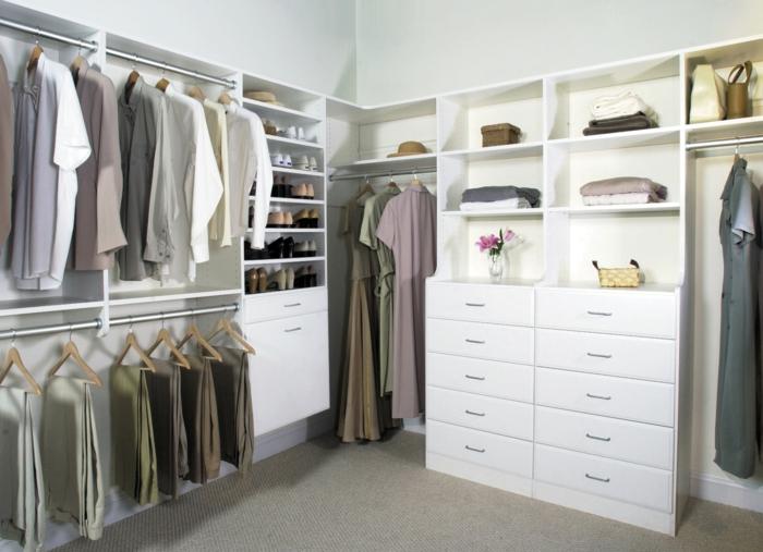 Ankleidezimmer dachschräge modern  Offener Kleiderschrank - 39 Beispiele, wie der Kleiderschrank ohne ...