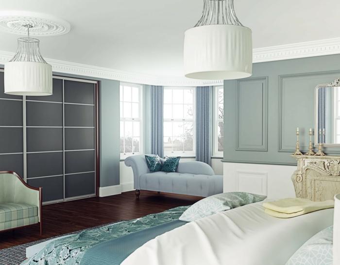 kleiderschrank design schiebetüren großer leuchter hellblaue gardinen