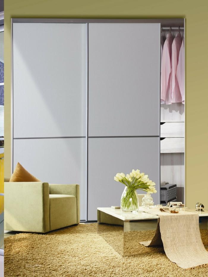 kleiderschrank design schiebetüren weiß elegant teppich cooler couchtisch