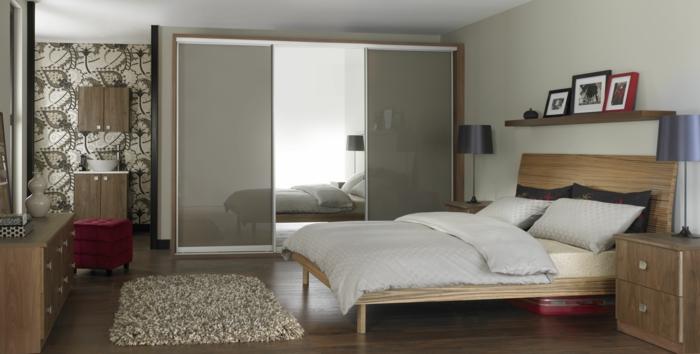 kleiderschrank design schiebetürenschrank wandtapete kleines schlafzimmer