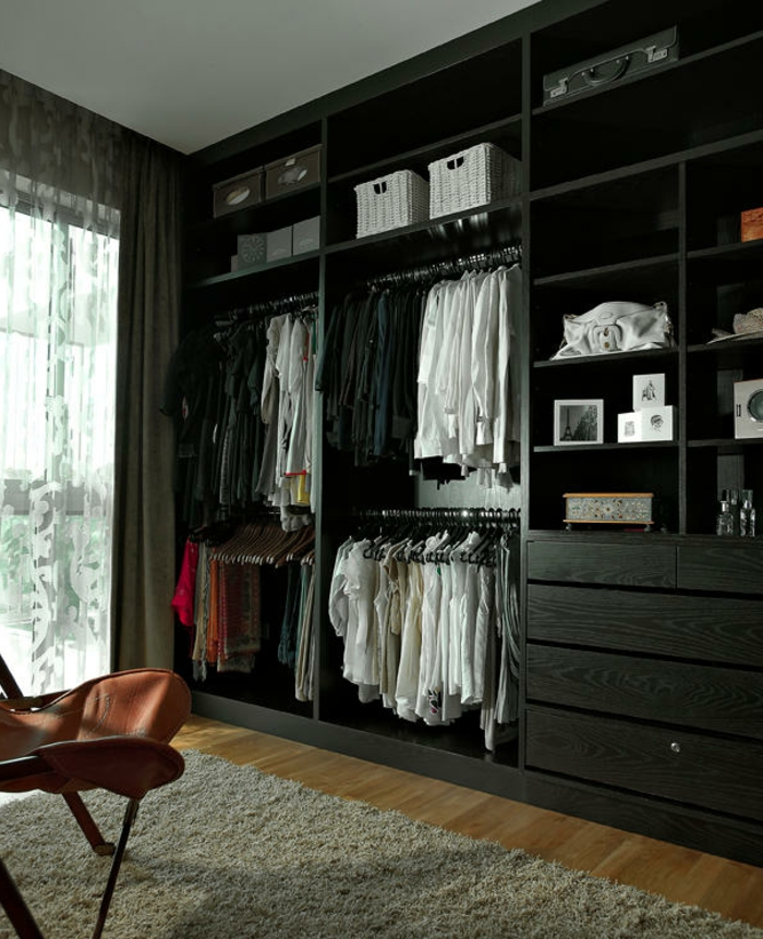 offener kleiderschrank 39 beispiele wie der. Black Bedroom Furniture Sets. Home Design Ideas
