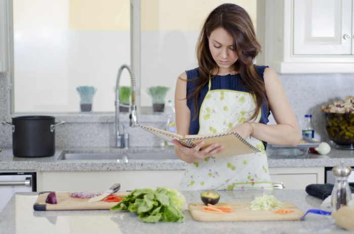 kochtipps frau rezept lesend küche koched
