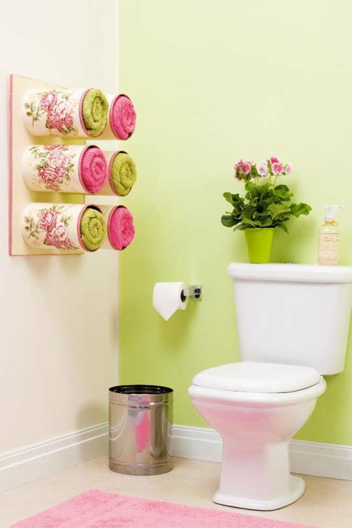 kreatives basteln badezimmer gestalten grüne wand stauraum ideen tücher