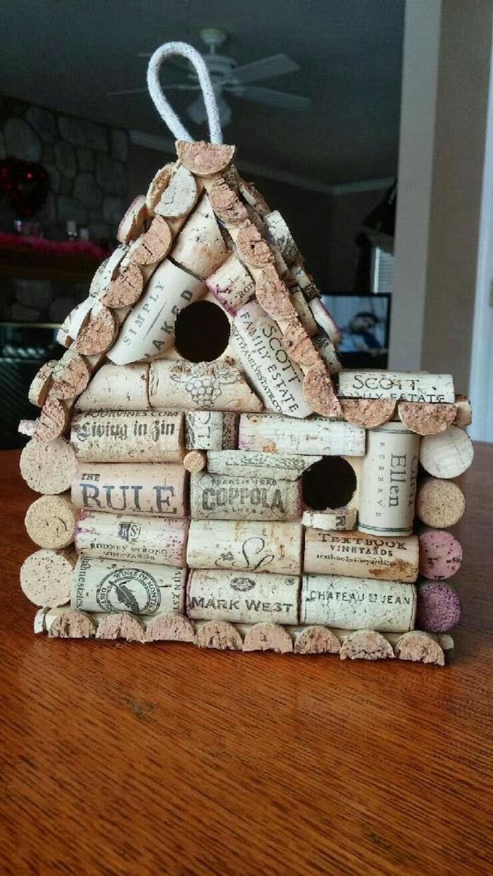 kreatives basteln korke dekoideen häuschen basteln