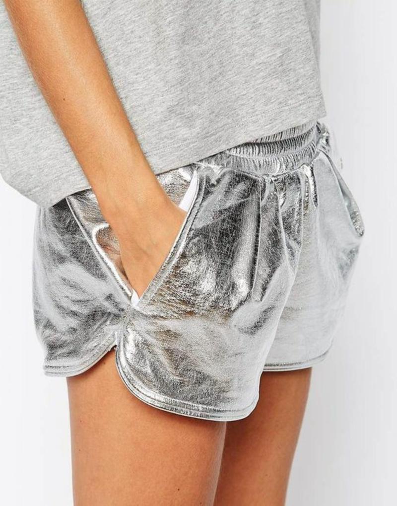 kurze Damenhosen silberfarbene Shorts Damen Sommermode